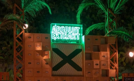 ABSOLUT EXTRACT neon